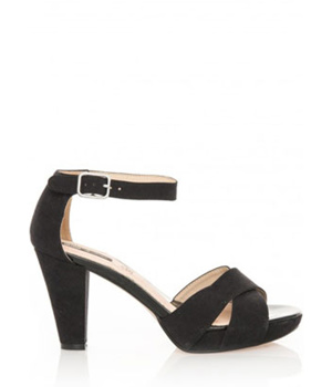 ➤ Černé sandály na širším podpatku MTNG - Levná i značková obuv cc2f3369af